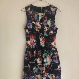 Floral Sleeveless Vince Camuto dress size 4
